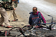 Rickshaw Puller Loses Legs