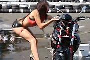 sexy Bike Wash Fail