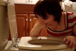 Bulimia girl pukes