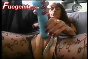Whore masturbates in public