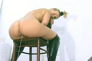 Shitting Girl Video